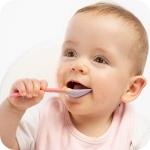 когда ребенок начинает кушать сам