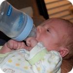 питание ребёнка в 1 месяц